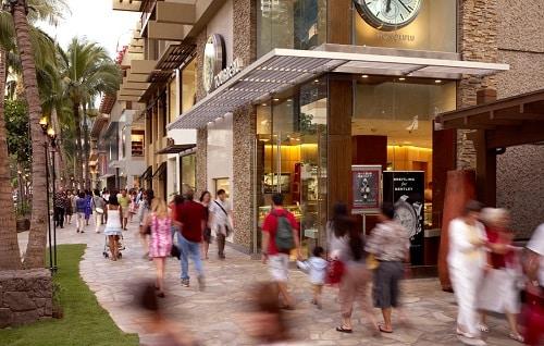 Kalakaua Avenue - Honolulu